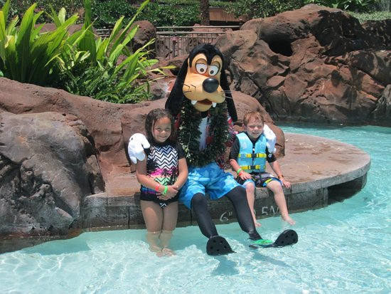 Aulani, a Disney Resort & Spa: Lazy river