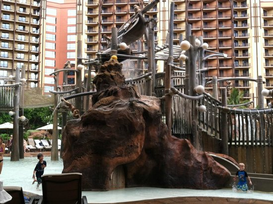 Aulani, a Disney Resort & Spa: Kids play area