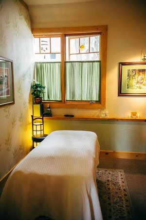 Lake Tahoe Body Solutions Massage: Massage room
