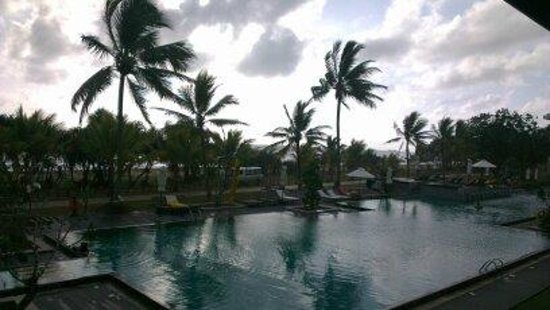 Centara Ceysands Resort & Spa Sri Lanka: The view