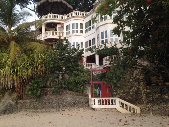 The Palace at Playa Grande: Bottom cliffs use rooms