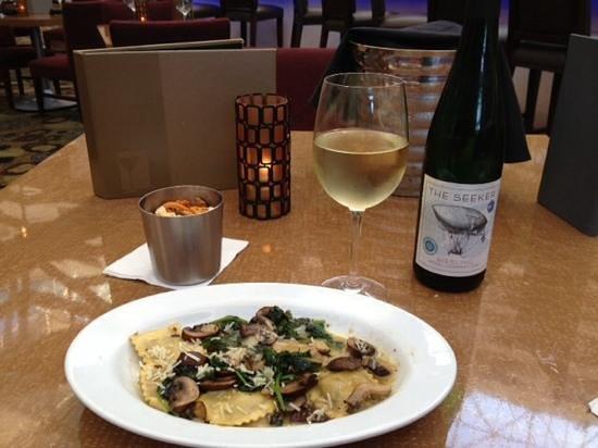 Hyatt Regency San Francisco Airport - Burlingame: Fine Riesling Wine & Ravioli