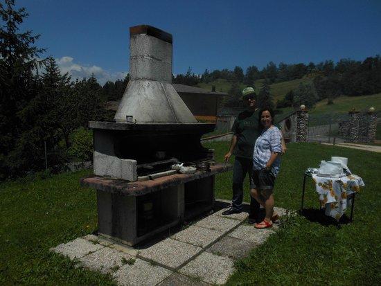 B&B Antica Frontiera: Claudio e Silvana al barbecue