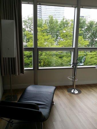 Qbic Hotel Amsterdam WTC : room1
