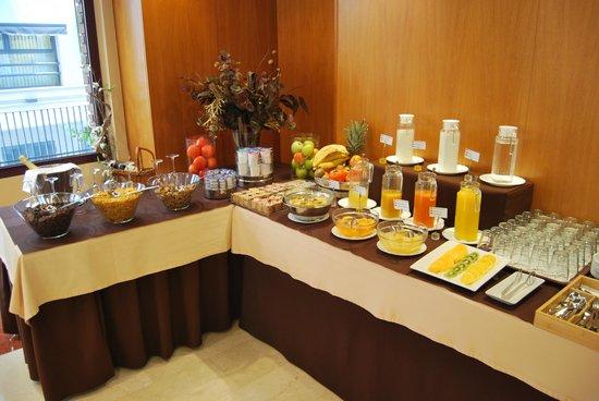 Hotel Sorolla Centro: Desayunos