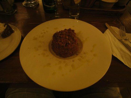 Stary Dom Restaurant: Tatar of seasoned beef fillet