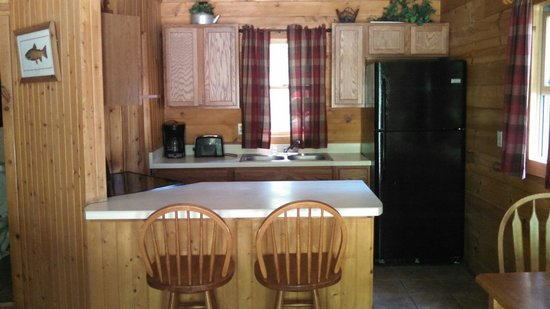 Harman's Luxury Log Cabins: Inside cabin 6