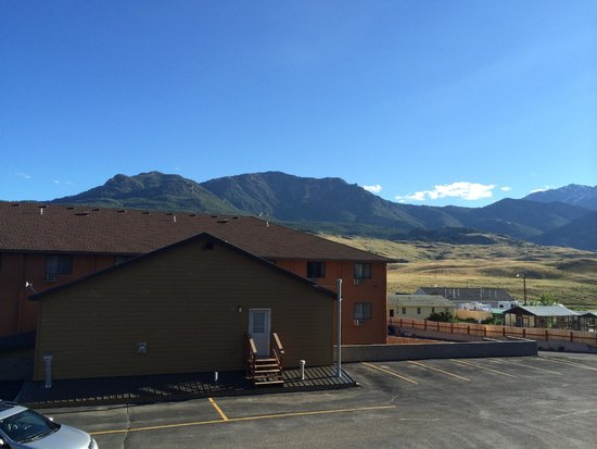 Rodeway Inn and Suites : Parking