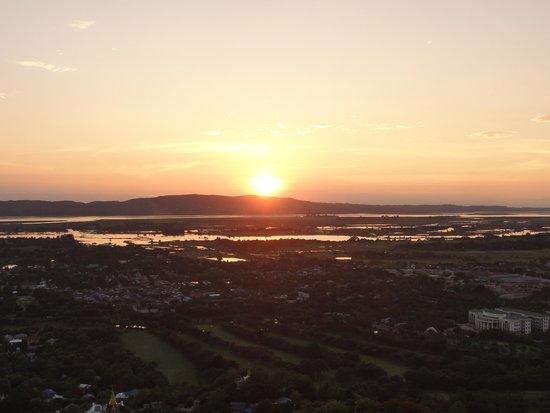 Mandalay Hill: なんと言っても夕日が最高
