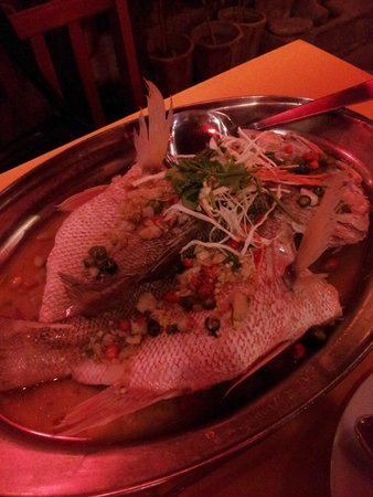 Islandish Seafood Restaurant: Lemon sauce stemed fish - extremely good!