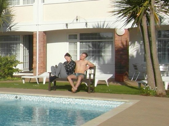Del Mar Court Self Catering Apartments : soaking in the sun
