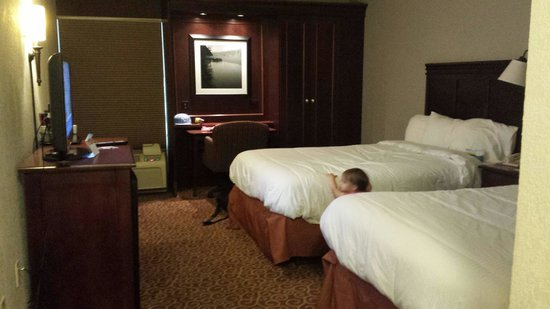 Baymont Inn & Suites Boone Near APP State: Double queen room. Loved the little office area!