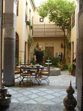 Riad Letchina : Déjeuner près du jardin
