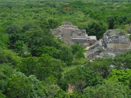 Ek Balam Mayan Ruins : pyramide secondaire vue du haut de la principale
