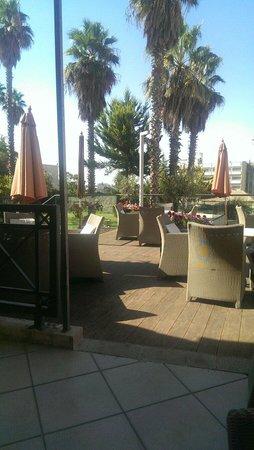 Ambassador Hotel: Terrace restaurant for breakfast