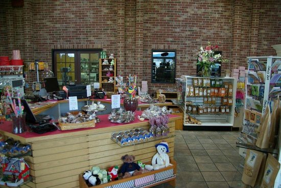 The Nut Factory: Inside the store