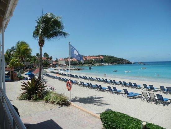 Divi Little Bay Beach Resort: Beachside