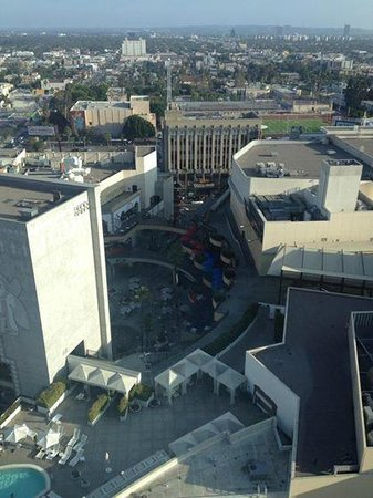 Loews Hollywood Hotel : View from room