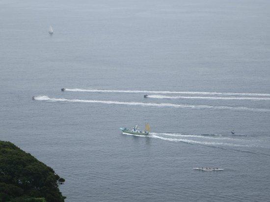 Enoshima Sea Candle: 競争