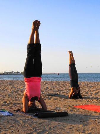 Moods Restaurant & Beach Club : Yoga during Ramadan on the beach