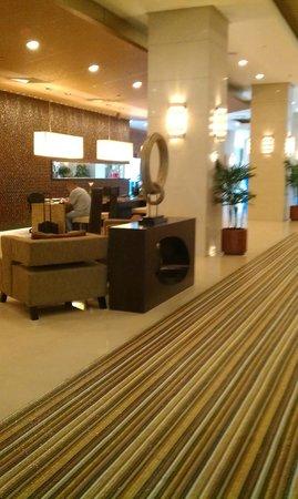 Cinnamon Lakeside Colombo: The Reception Area