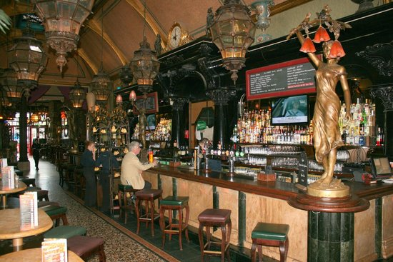 Cafe en Seine : The long bar