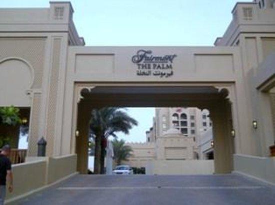 Fairmont The Palm, Dubai: Ingresso carrabile