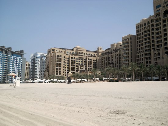 Fairmont The Palm, Dubai: Spiaggia hotel