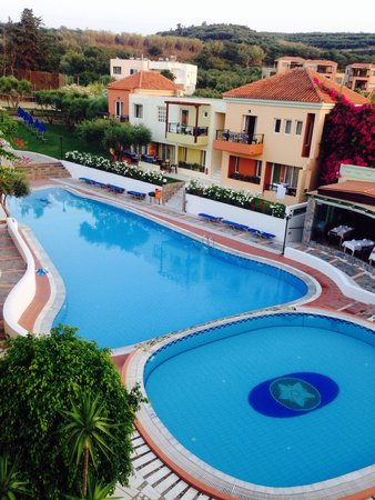 Hotel Stefan Village : Pool area