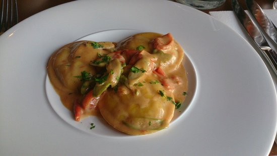 Commando Restaurant : Prawn and escalope ravioli was lovely