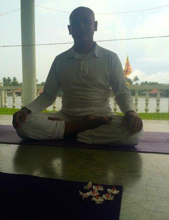 Hotel Orchid : Yoga master Roland. Hatha Yoga