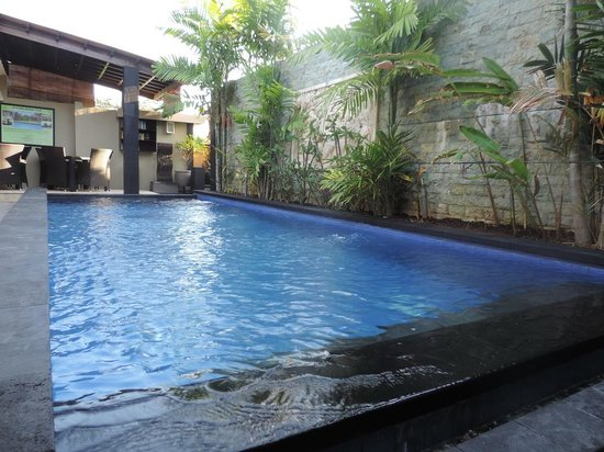 Legian Guest House: Pool