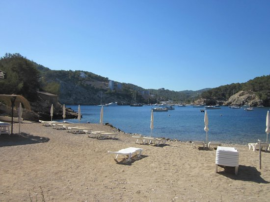 Playa Puerto de San Miguel: The small beach