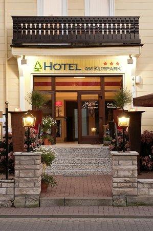 Hotel am Kurpark: Hotel-Eingang