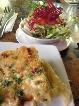 The Porch Cafe: Potato gratin & salaf