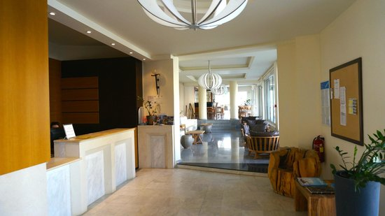 Platanias Mare Hotel: Лобби