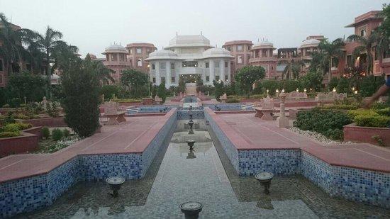 Orient Taj: The grandiose