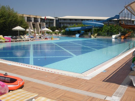 Holiday Village Turkey Hotel: slide pool closed same day