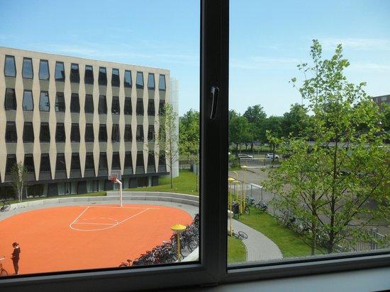 The Student Hotel Amsterdam West: veduta dalla finestra della camera