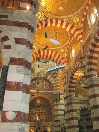 Basilique Notre Dame de la Garde: elementi votivi in Notre Dame de la Garde