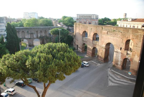 SHG Hotel Porta Maggiore : View from our room 25 May