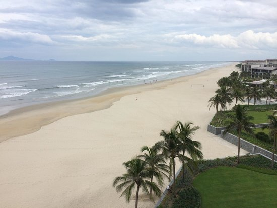 Hyatt Regency Danang Resort & Spa: beautiful clean beach
