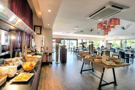 Hotel de Massane : Salle de restaurant
