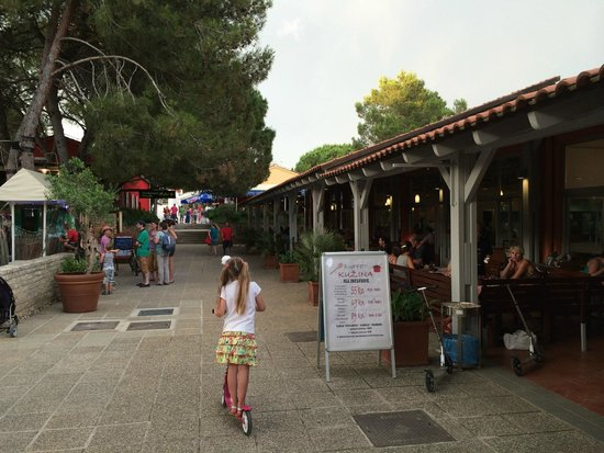 Zaton Holiday Resort: Buffet Kuzina