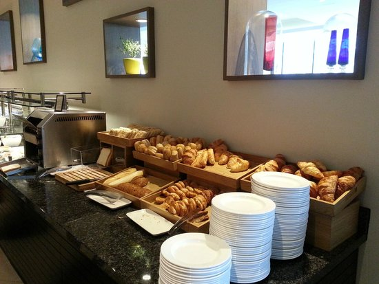 Hilton London Wembley: Breakfast spread