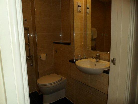 Best Western Heronston Hotel & Spa : New bathrooms!!