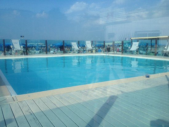 Concord Hotel: Piscina spiaggia convenzionata