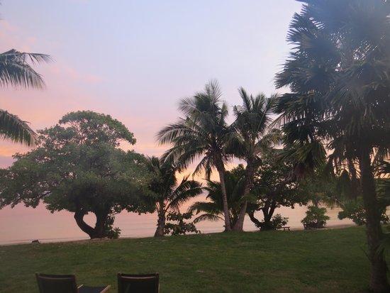 Likuliku Lagoon Resort: sunrise from our bure
