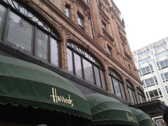 Harrods: Una location perfetta, anche in Inverno! Esterno