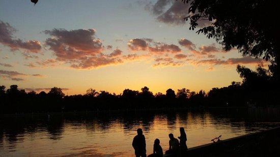 Parque del Retiro: sunrise in retiro